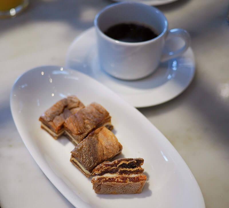 西条柿バターサンドとコーヒーのハーモニー