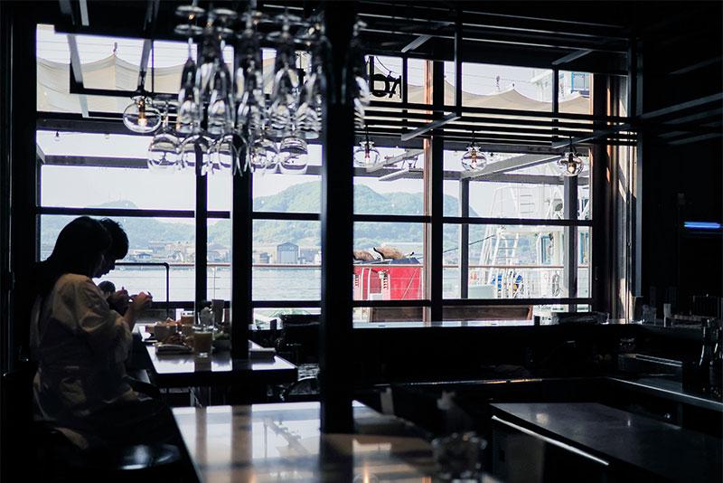 ホテルサイクルの朝食会場、the restaurant